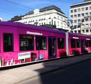 """Allt om Stockholm marknadsförde sig på Stockholms """"nya"""" spårvagnar."""
