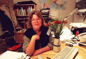 1995: Lena Mellin vid sitt skrivbord.